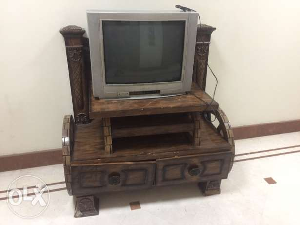 TV with table مسقط -  4
