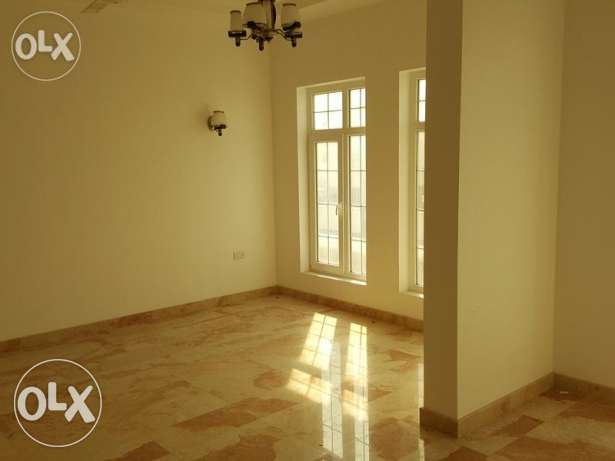 4 bhk with swimming pool brand new villa in azaiba for rent مسقط -  2