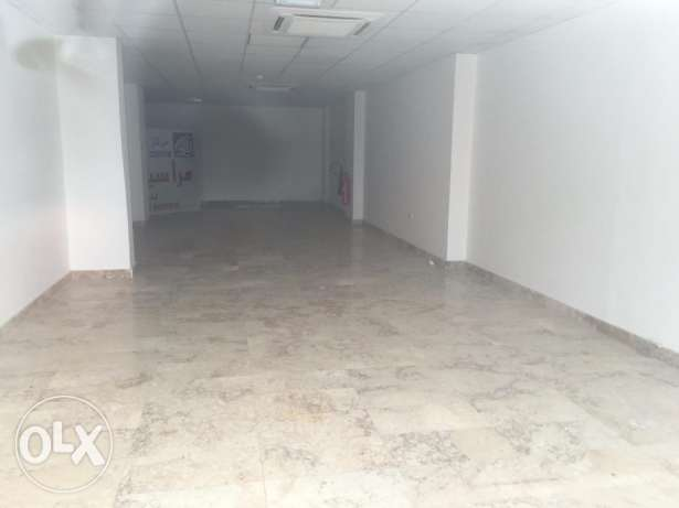shop for rent in a building near al amin mosque. بوشر -  2