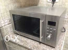 Kenwood Microwave - Like New - Excellent Conndition