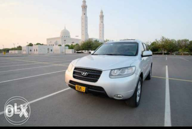 Hyundai Santa Fe 2008 Model for Sale. OMR3000/- 2700 CC. V6. Automatic