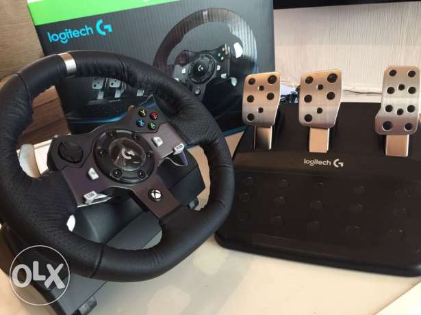 Logitech G920 XBOX ONE/PC Driving Force Racing Wheel: two-piece