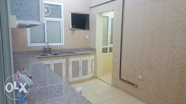 Big apartment in Mabella South near Nesto Mall السيب -  2