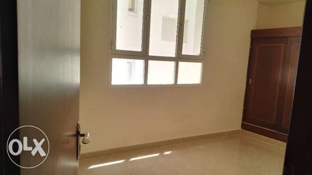 2 BHK Apartment with balcony opposite Panorama Mall مسقط -  5