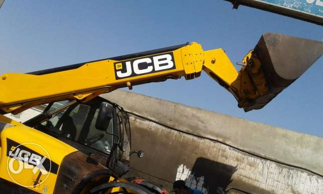 Job boomloader 535-125 for sale مسقط -  2