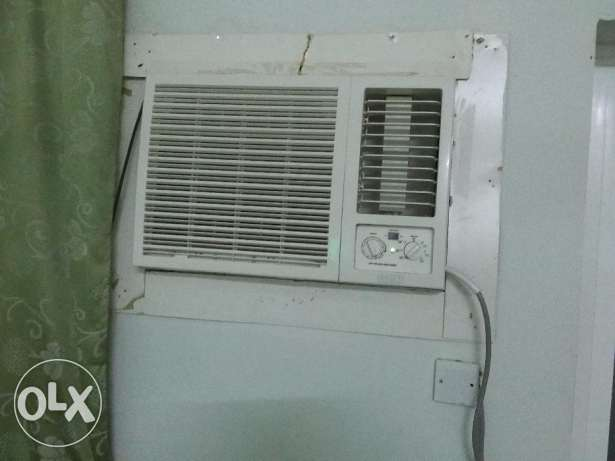 Asset Window A/C 1.5 Tone rarely used and LG window A/C 1.5 Ton used مسقط -  1