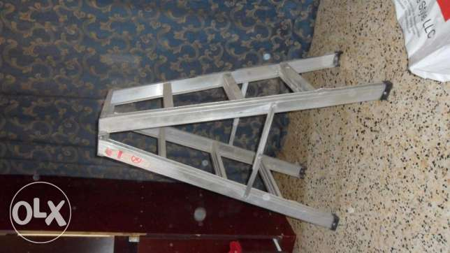 ladder small aluminium durable and strong urgent sale