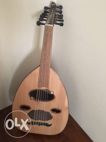 Oud with new strings