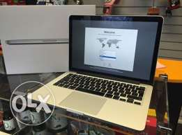 Mac-book pro retina visual display 15.4 inches new