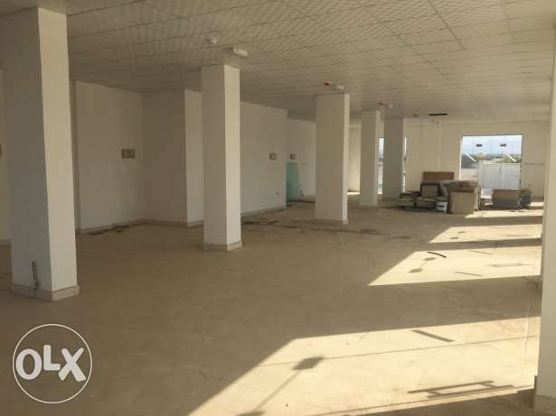 flat and shops for rent مسقط -  8