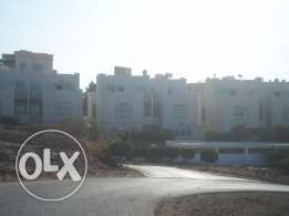 4 BR Townhouse with Large Garden in Bausher - Muna Heights