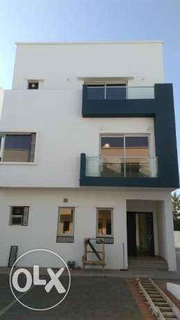 4BHK NEW Villa Compound Hail North FOR RENT near Oman Oil Petrol pp38