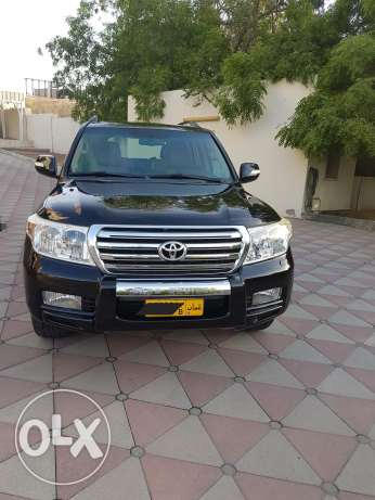 NO 1 Land cruiser VXR model 2010