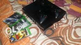 xbox one 1tb with two controllers with fifa 17 and 5 other games