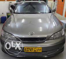 Lexus es300 very clean 2000 model
