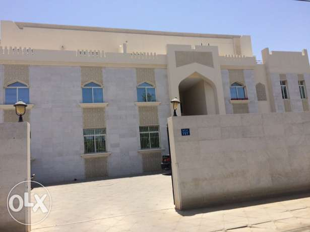 Flat for rent in Madinat Sultan qaboos مسقط -  2