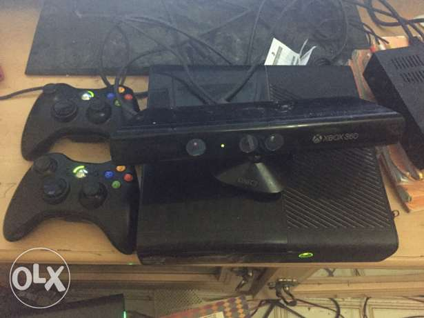 Xbox 360, two joy sticks & Kinect with games