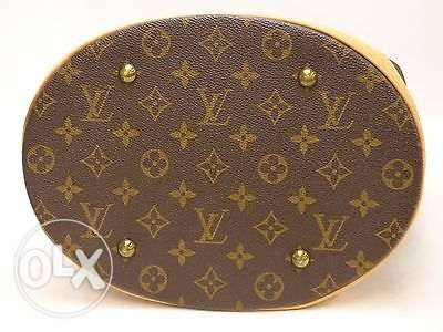 Not to be missed! Louis Vuitton GM Bucket Bag مسقط -  4