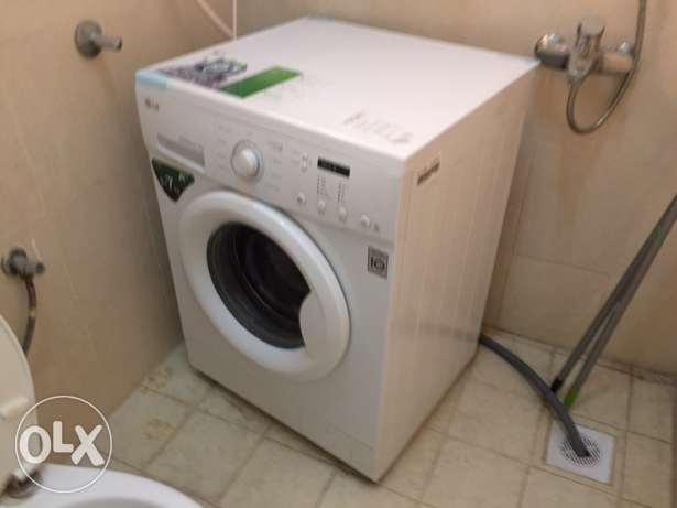 7 kg full automatic washing machine only few month used صحار -  1