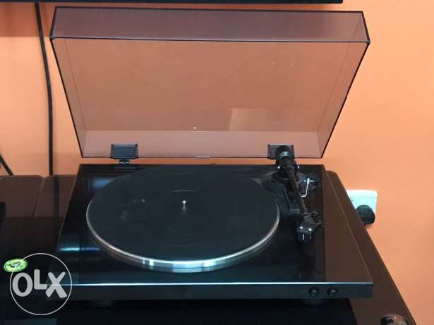 Turntable (Record Player) and Phono preamplifier