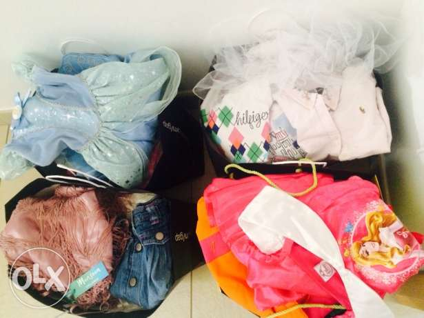 Girls clothes 4-7 years. Excellent condition and some dresses new. مسقط -  1