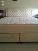king bed with Matress