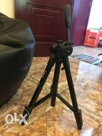 camera tripod 10 last last price leaving country end of march