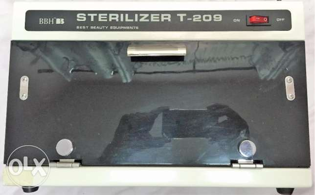 Sterilizer Cabinet with JAPAN UV Bulbs (T-209)