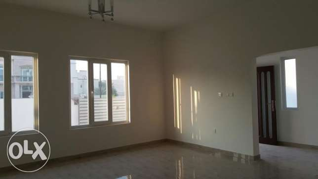 KA 015 Part of twin villa 5 BHK in south mawaleh for rent مسقط -  2