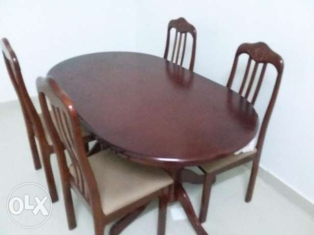 Brand new condition dining table with 4 chair for sale مسقط -  1