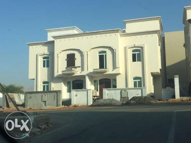 brand new villas for rent in al ansab بوشر -  1