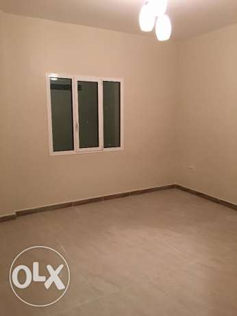 a new flat for rent in al mawaleh 11 in a new building السيب -  4