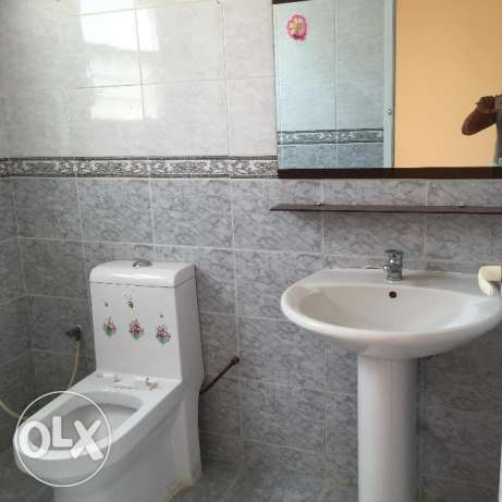 flat for rent in a villa with balcony in almawaleh south مسقط -  6