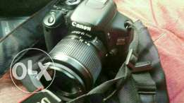 dslr canon 600D in great condition like ndw