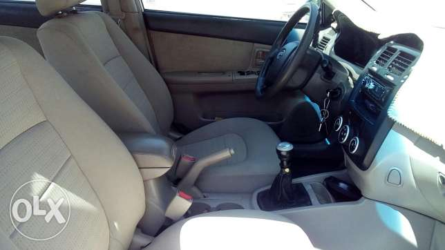 Cerato 2007 manual gear 1.6 well maintained is excellent condition. مسقط -  8