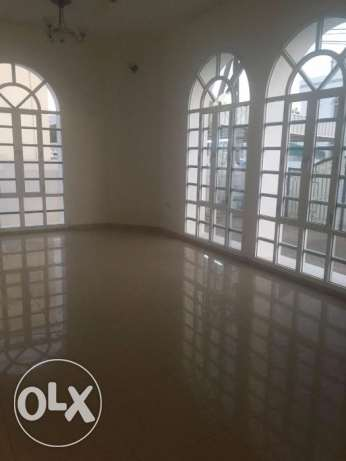 villa for rent in al ghobra بوشر -  4