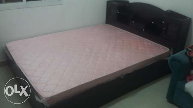 Queen Size cot with Bed and storage مسقط -  2