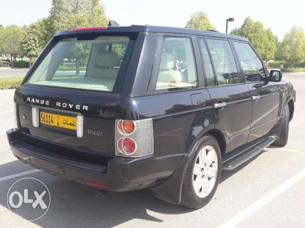 RANGE ROVER HSE 2005 All service with the dealer Oman MHD very clean السيب -  5