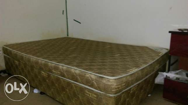 1single coated bed+1 mirror teable
