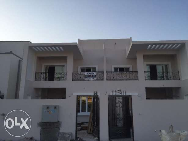 a new villa for rent in al mawaleh south level 1 for 500 ro