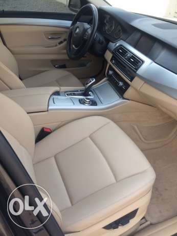 BMW 523i - 2011 full options in very good condition like new السيب -  5