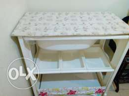 Baby tub with table