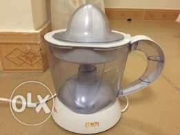 citrus fruit juicer