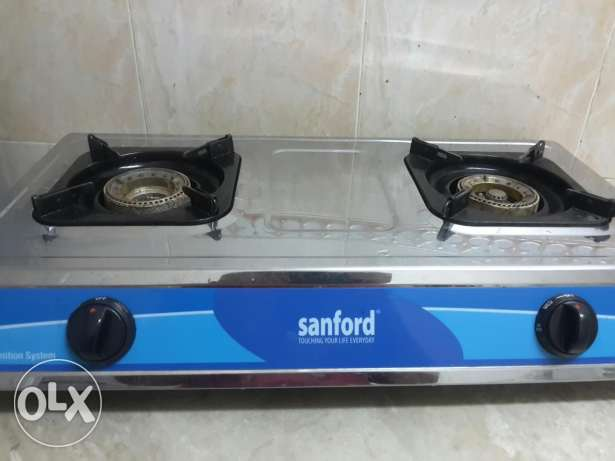 Stove with gas cylinder