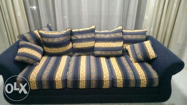 Deal of the day! 7 seater sofa set brand new (only used for 3 months) مسقط -  2