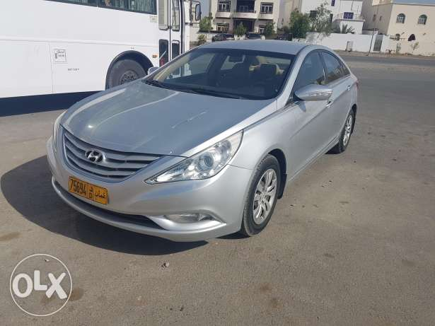 Hyundai sonata good condition free accident model 2011