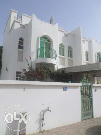 5 BR Townhouse in Qurum close to PDO