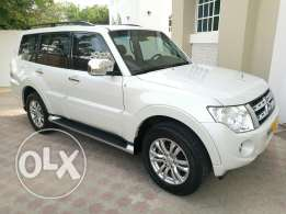 Pajero 2014. Perl White, 3.8. Agency serviced low mileage. Stunning!