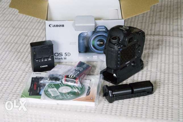 Canon-EOS-5D-Mark-III-22-3MP-DSLR-Camera-With-accessories-Battery-Gri