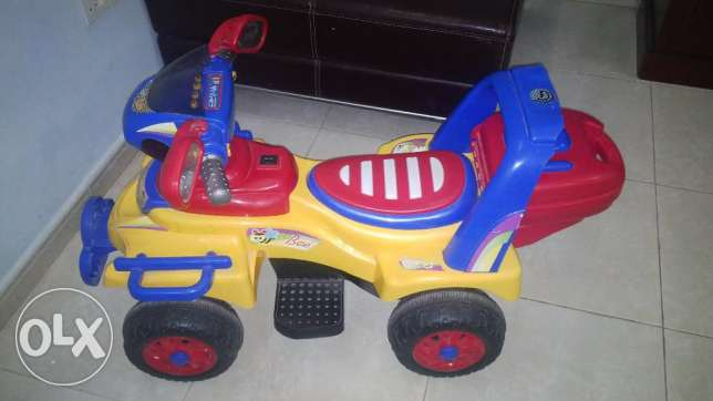 Children Car, Battery Operated. Very Good Condition. مسقط -  1